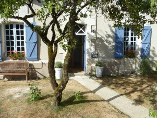 Lovely 2 bedroom Bed and Breakfast in Bellac with Internet Access - Bellac vacation rentals