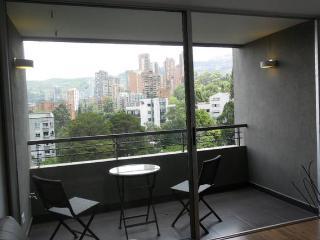 Hills 1403 Your dream close lleras - Medellin vacation rentals