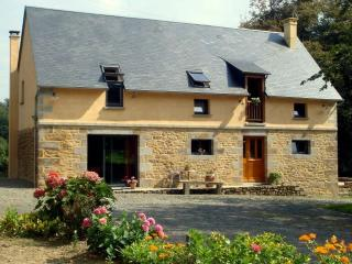 2 bedroom Gite with Internet Access in Brecey - Brecey vacation rentals
