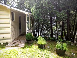 Four Corners Cottage Rental on the Rideau Canal - Elgin vacation rentals