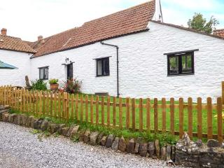 GRANARY COTTAGE one of a group, WiFi, woodburning stove, in Winscombe Ref 926937 - Winscombe vacation rentals
