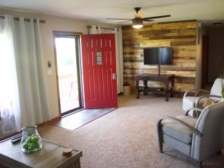 Wine Country Cottage - Cobden vacation rentals