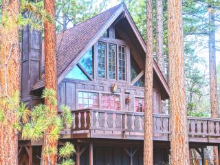 "Super Cozy A-FRAME ""Chalet Edelweiss"" + Netflix! - Big Bear Lake vacation rentals"