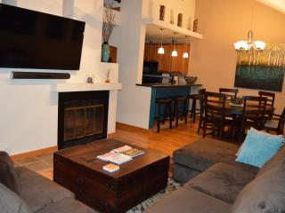 Vail 2 story loft condo, newly furnished, hot tub - Vail vacation rentals