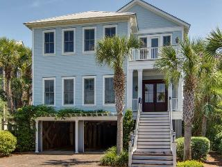 Comfortable House with Deck and A/C - Isle of Palms vacation rentals