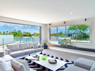 5 Bedroom Waterfront  Broadbeach Waters The Palms - Broadbeach vacation rentals