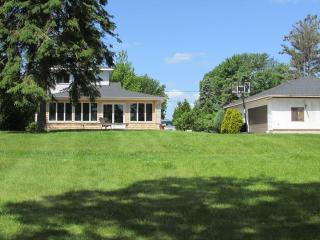 Spacious House with Deck and Dishwasher - Tawas City vacation rentals