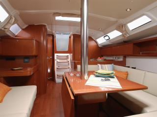 Hamble Luxury Yacht in Southampton Hampshire - Southampton vacation rentals