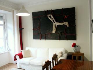 Cudweed Blue Apartment, Graça, Lisbon - Lisbon vacation rentals