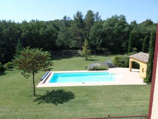 Studio de charme pour repos au bord de la piscine - Fuveau vacation rentals