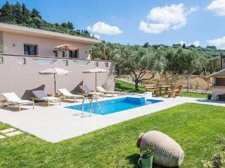 Cozy 2 bedroom Tragaki Villa with Internet Access - Tragaki vacation rentals