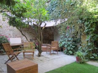 Cozy 2 bedroom Gite in Torreilles with Internet Access - Torreilles vacation rentals