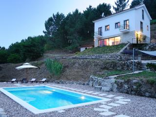 Quinta da Madrugada, Spectacular Mountain Views - Oliveira do Hospital vacation rentals