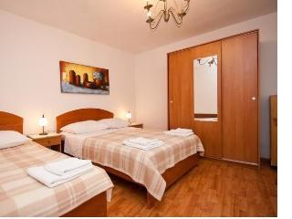 Cozy 1 bedroom Condo in Baska - Baska vacation rentals