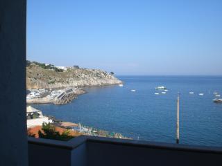 Appartamento a 30 mt veri dal mare a Castro marina - Castro vacation rentals