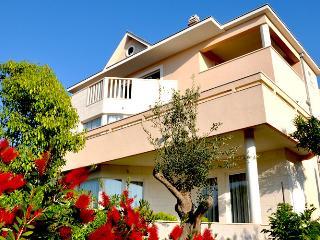 Luxury apartment Vila Keti Pool&Wellness - Splitska vacation rentals