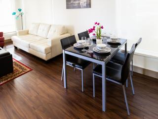 Heaven on Hollywood Vine Street 2BR Apartment - Los Angeles vacation rentals