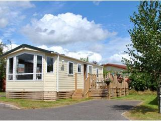 The Lady May - Cosy & Chic, on Quiet Seaside Site - Dawlish vacation rentals