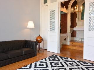 BonJardim466 - Historical Townhouse - Porto vacation rentals
