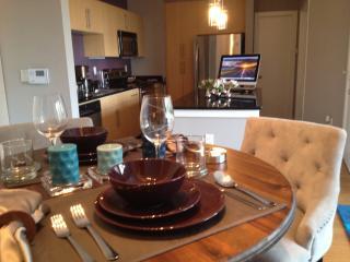 Cozy Condo with Internet Access and Dishwasher - Dallas vacation rentals