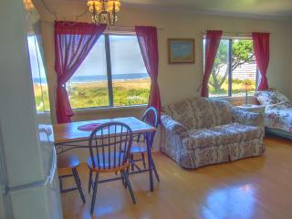 The Searose: Affordable 1BR Oceanview Cottage - Yachats vacation rentals