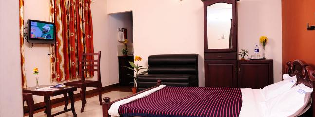 Nice Lodge with Internet Access and A/C - Guruvayur vacation rentals