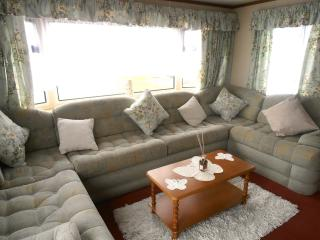 5 Star Caravan to Let Valley Farm Clacton - Clacton-on-Sea vacation rentals