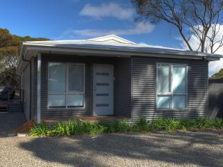 Nice Kingscote vacation House with Deck - Kingscote vacation rentals