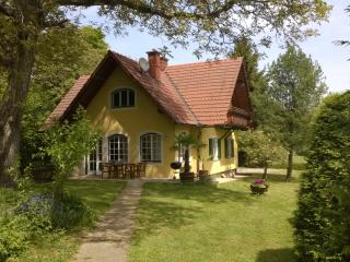Nice House with Deck and Internet Access - Gleisdorf vacation rentals