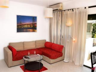 1br apartment Ben Yehuda with balcony - Tel Aviv vacation rentals