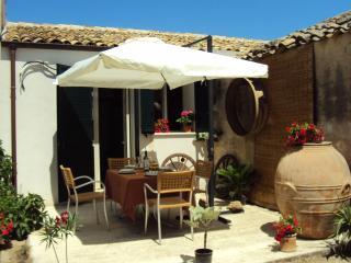 Casa Vacanze dei Vecchi Cipressi - Sciacca vacation rentals