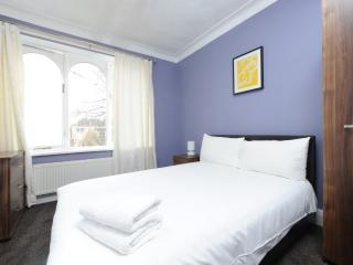 Budget 2Bed Prop Nr City/Heaton Prk - Manchester vacation rentals