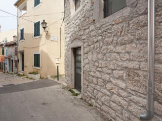 Nice Apartment with Internet Access and Dishwasher - Rovinj vacation rentals