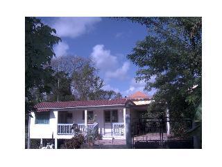 villa familiale champêtre proche hôpital&centre - Fort-de-France vacation rentals