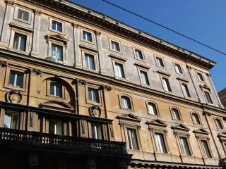 Pantheon Large Comfortable Apartment - Rome vacation rentals