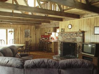 Perfect 2 bedroom Freedom Cottage with Deck - Freedom vacation rentals