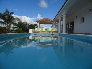 Summer Hill - Ideal for Couples and Families, Beautiful Pool and Beach - Pelican Key vacation rentals