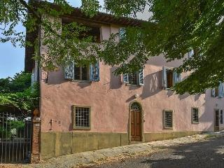 Bright 6 bedroom Antella House with Internet Access - Antella vacation rentals