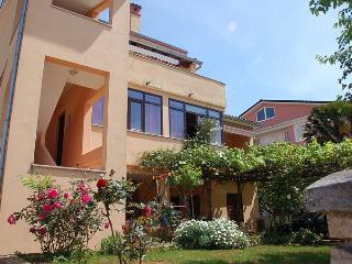 Nice 2 bedroom Rovinj Apartment with Internet Access - Rovinj vacation rentals