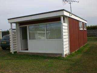 Nice Chalet with Garden and Short Breaks Allowed - Hemsby vacation rentals