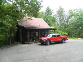 Gatlinburg Getaway For Two (1BR Log Cabin) - Gatlinburg vacation rentals