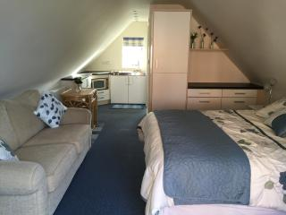 Upstairs Annexe with own entrance - Boughton-under-Blean vacation rentals