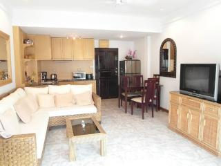 Large 2 bedroom condo at Jomtien (Majestic F5 R458 - Pattaya vacation rentals