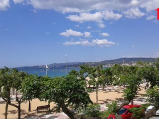 Bright 3 bedroom Palamos Condo with Dishwasher - Palamos vacation rentals