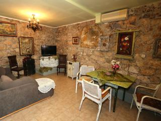 MH0010 Apartments Branimir / One bedroom aparatment Bastion - Sutomiscica vacation rentals