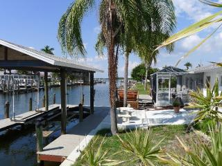 Sun and Island Breezes Matlacha Waterfront Home - Matlacha vacation rentals