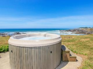 Oceanfront & dog-friendly duplex with private hot tub awaits! - Yachats vacation rentals