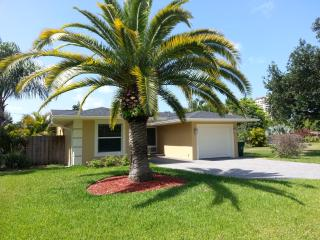 3 bedroom House with A/C in Naples Park - Naples Park vacation rentals