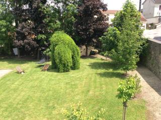 Charming B&B with Garden and Short Breaks Allowed - Saint-Remy vacation rentals