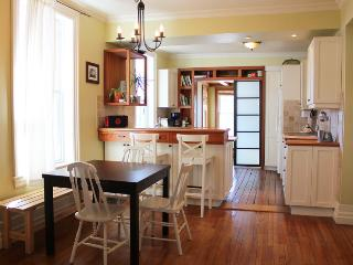 Earthy 1BD in Heart of Hintonburg! - Ottawa vacation rentals